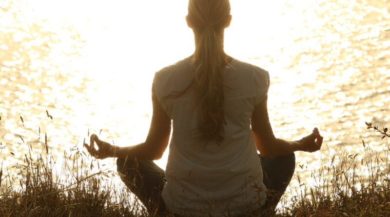 benefits-of-meditating-on-health