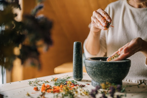 mixing spices in mortar and pestle