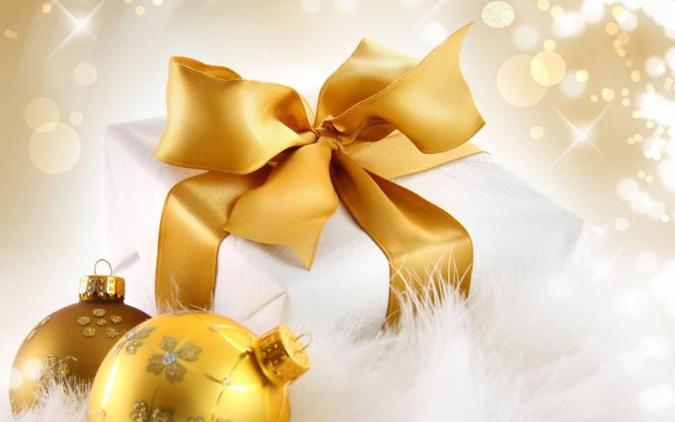 gold christmas gift high resolution 2K wallpaper middle size