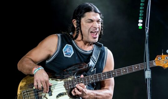 Robert Trujillo Provides Update On Metallica Creating Music For Next Album While Quarantining