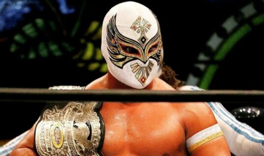 The Original Sin Cara Accidentally Reveals His Unmasked Face While Live Streaming