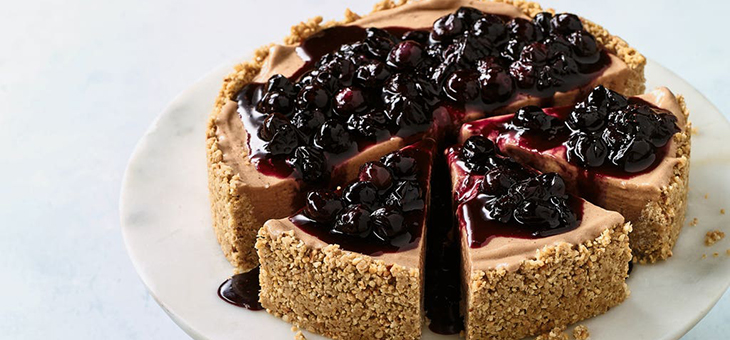 Dairy-free Banana Ice Cream Cheesecake with Blueberry Compote