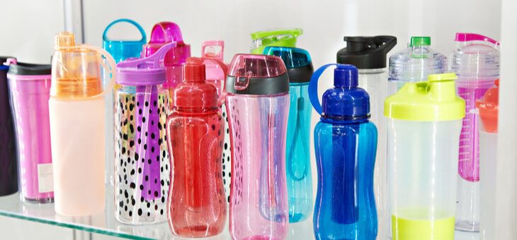different coloured reusable water bottles